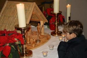 Lebendiger Adventskalender startet in der Kirche